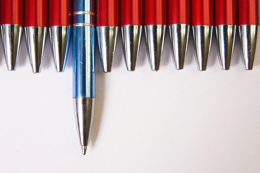 52351027-pen